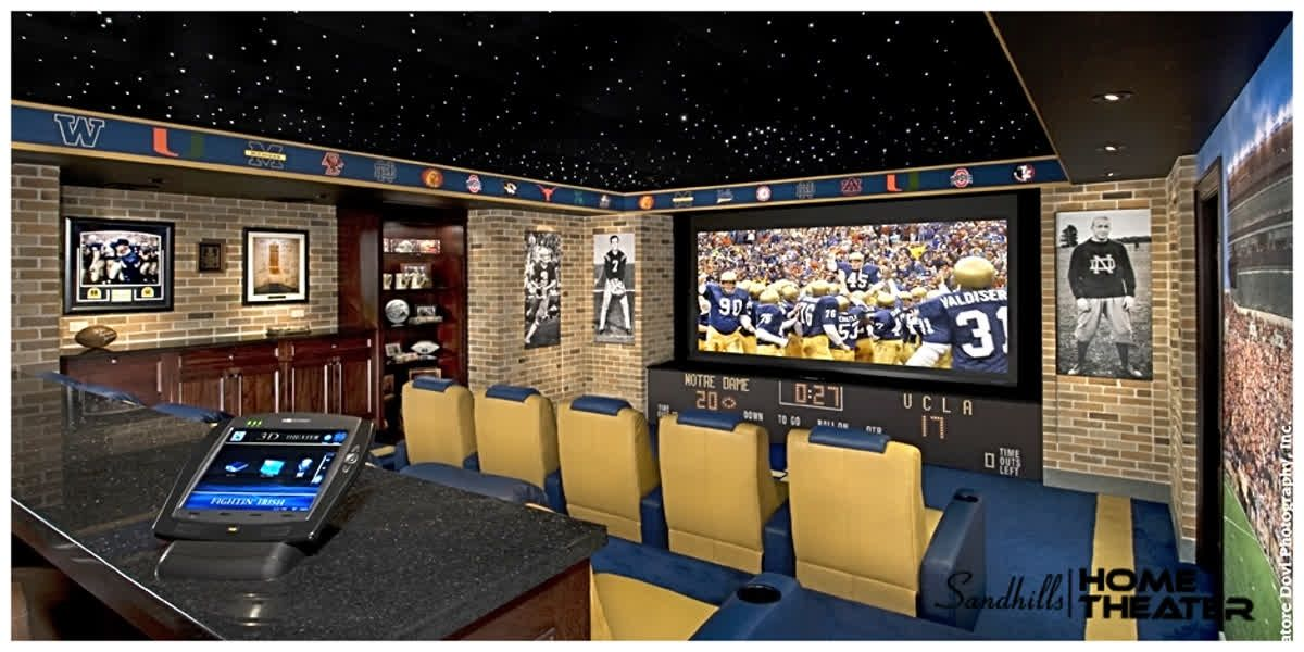 Do you have a sports fan in your home we love this