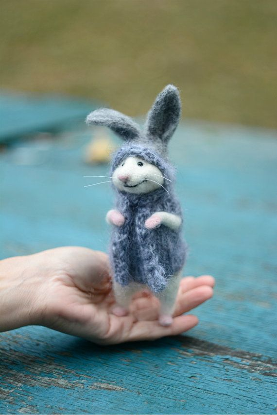 MADE TO ORDER! Bunny mouse Little mouse Miniature mouse Mouse bunny Bunny suit Mouse in sweater Mouse and gift Gift White mouse Cute mouse #miniaturetoys