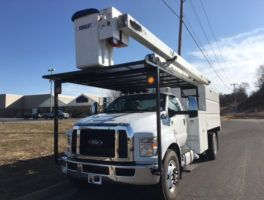 Ford F 750 Bucket Truck 65 Ft Under Cdl At Work Truck Direct Bucket Truck Bucket Trucks For Sale Trucks