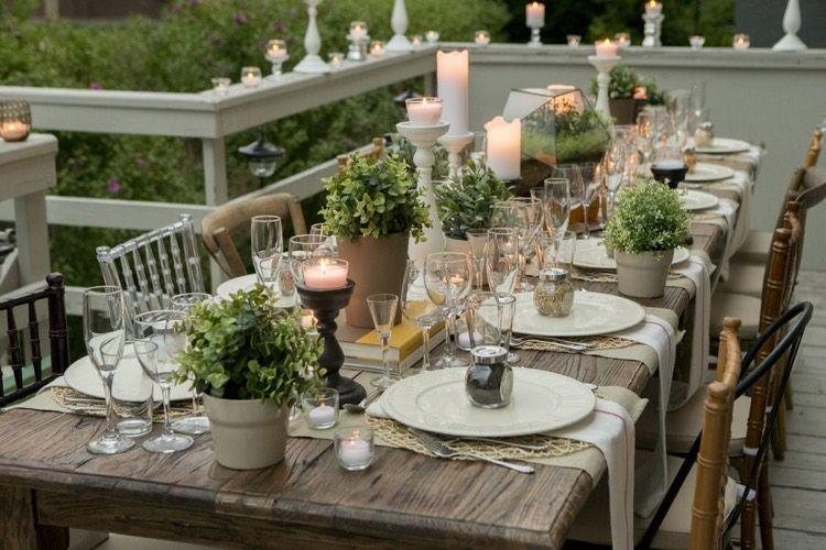 Devoiler Les Secrets Deco Et Dressage De Table Raffinee Pour Toute Occasion Dressage De Table Couverts De Table Rustiques Table Rustique
