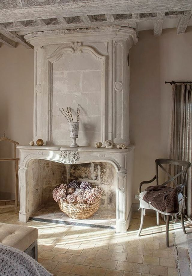 Int rieur rustique la chemin e ancienne d poque shabby shabby chic bedrooms and vintage Shabby chic style interieur