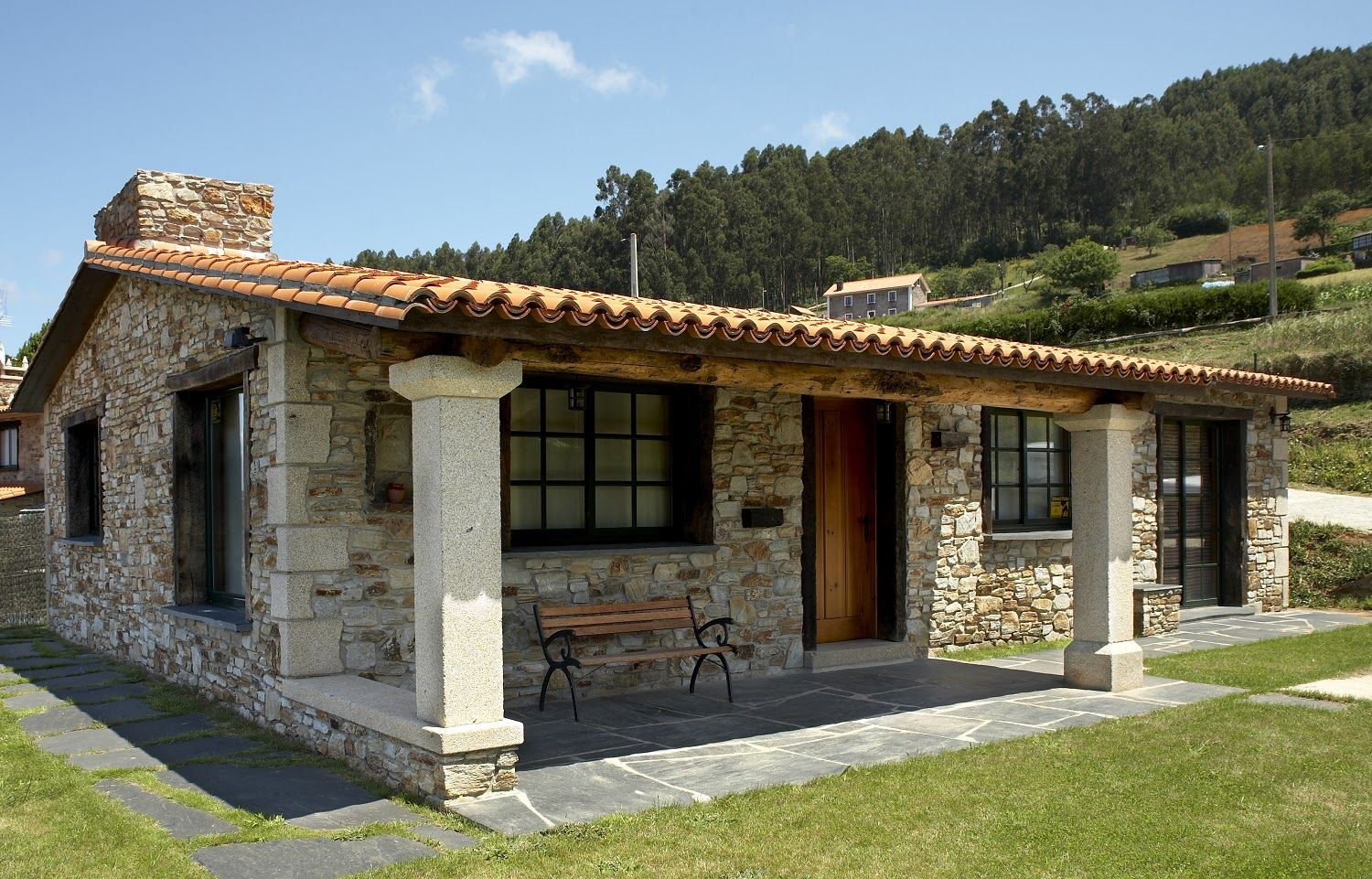 17 photo of 27 for casas de campo rusticas peque as for Interiores de casas rusticas modernas