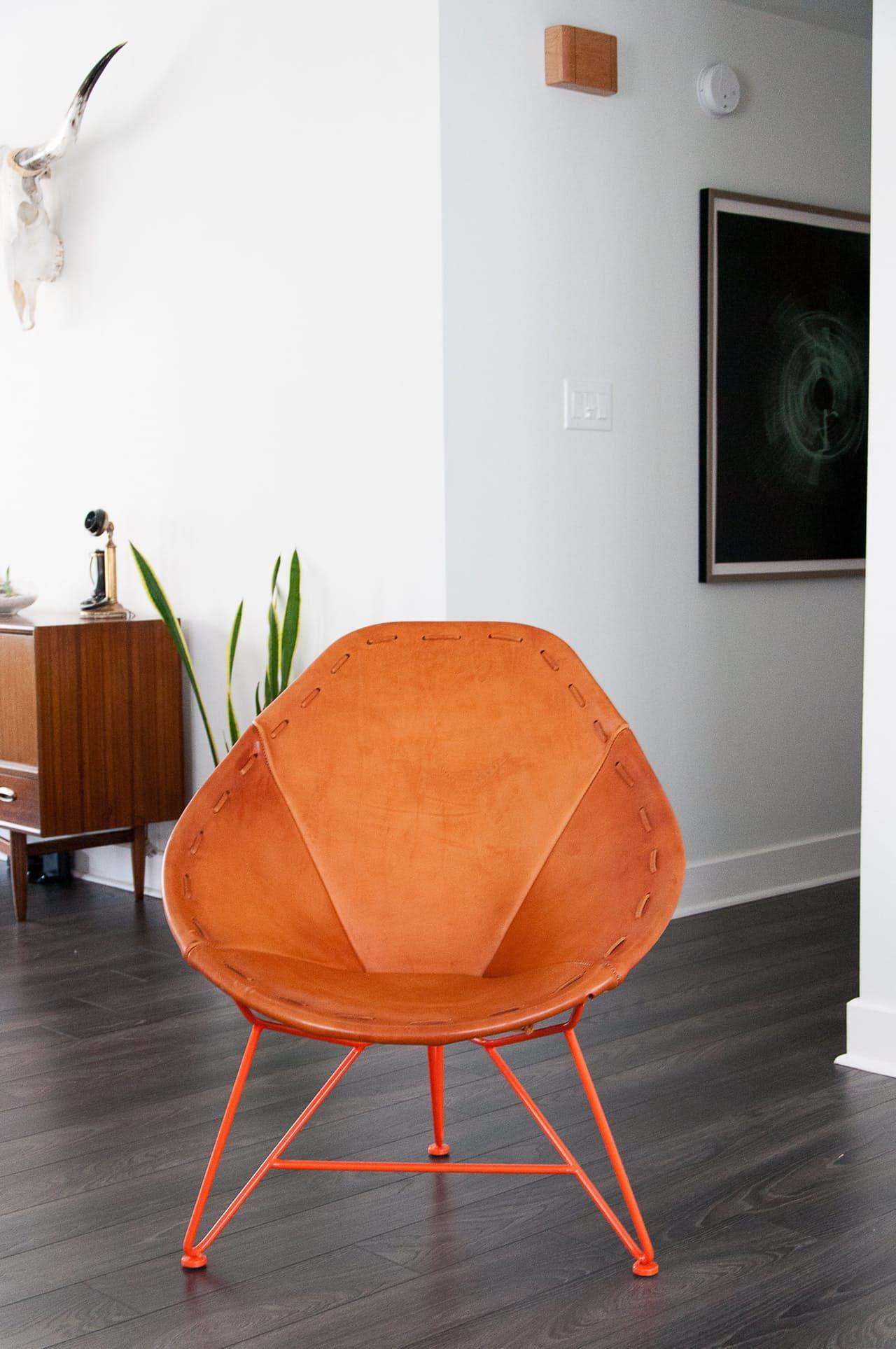 Nikou Travis Modern Minimal Marfa Inspired Apartment Minimal  # Ad Hoc Muebles Puebla