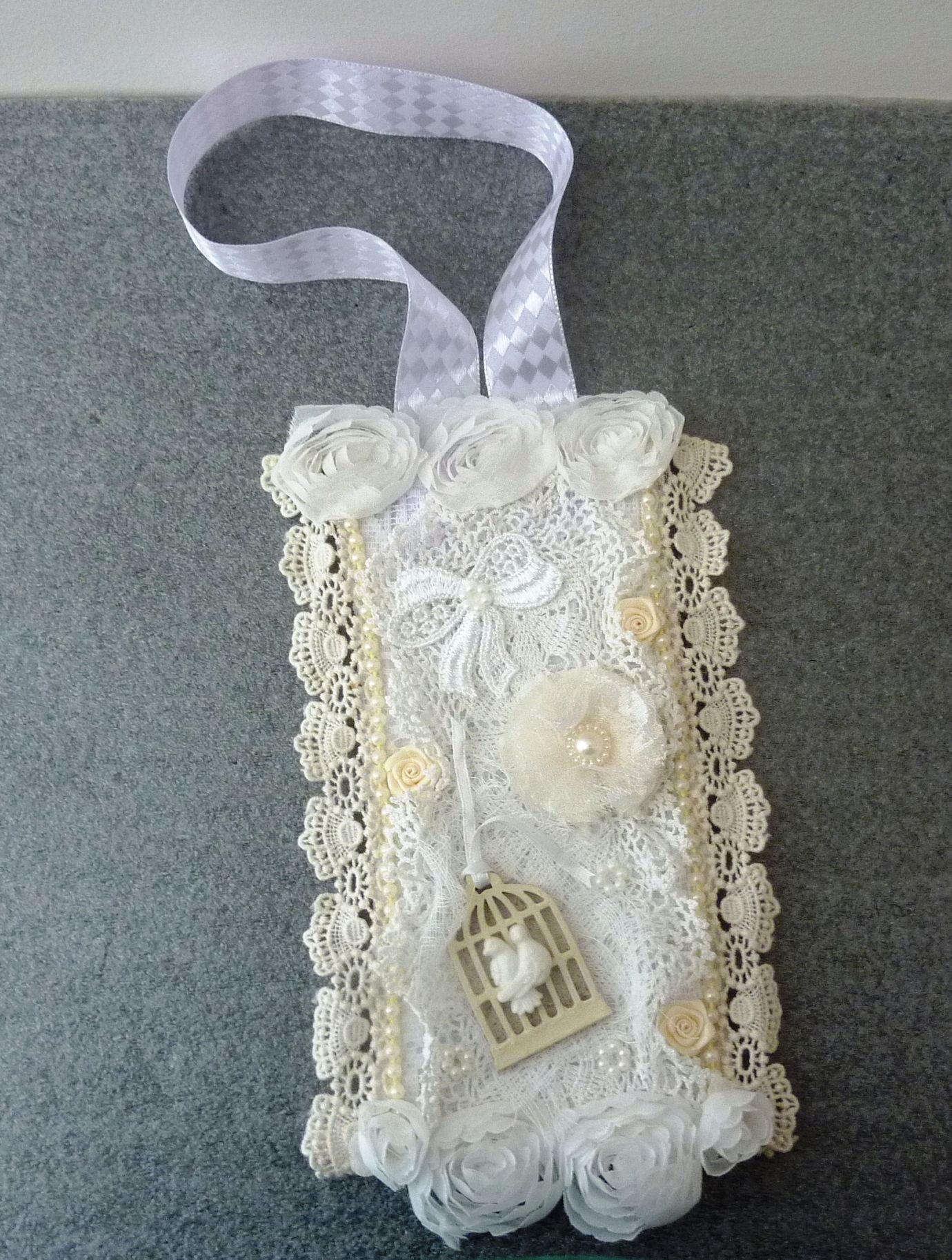 Fabric/Lace tag 'Winter Whites'