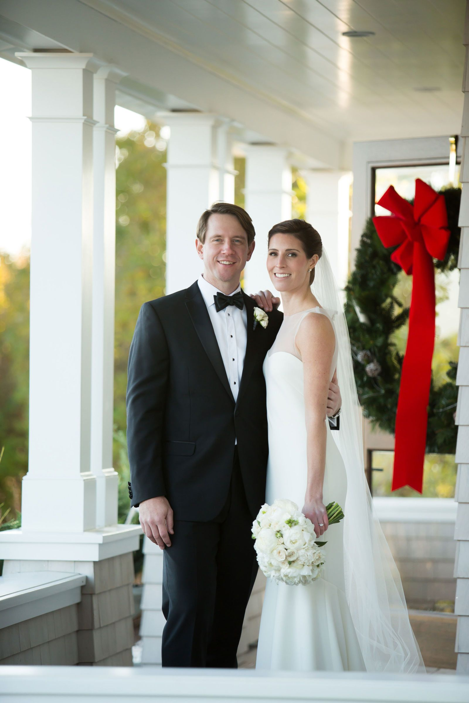This Is How You Get Married In December T C Real Weddings