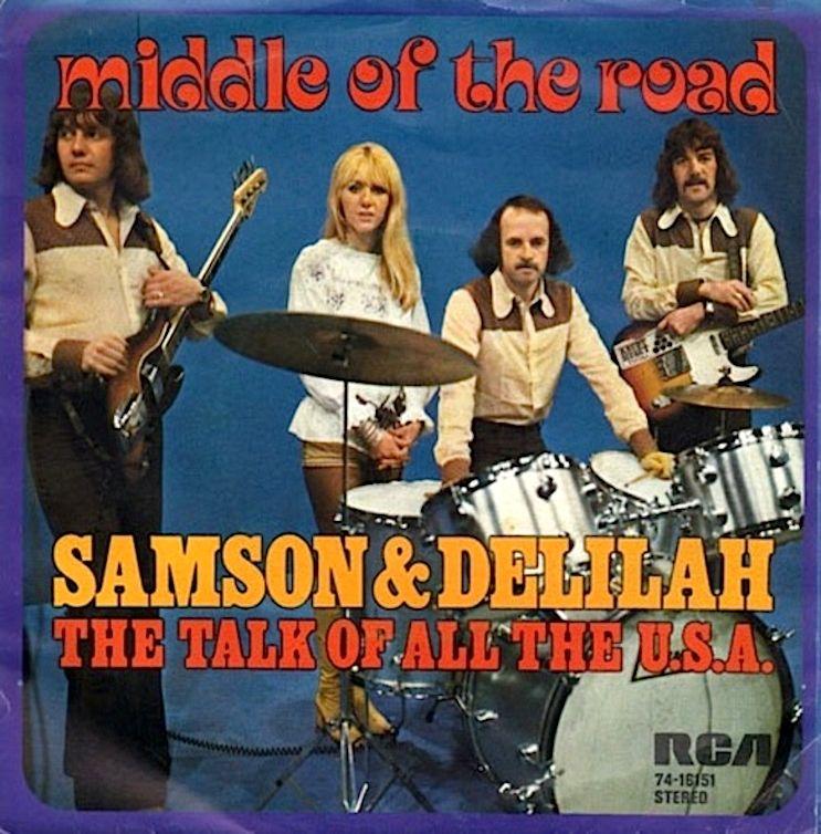 SINGLE VAN DE WEEK: MIDDLE OF THE ROAD - SAMSON & DELILAH Uitgebracht in 1972 met als hoogste notering de 1e plaats in de Nederlandse Top 40. En welke Middle Of The Road singles had jij? Een filmpje van de Duitse TV:  https://www.youtube.com/watch?v=uLFv2Rv-LYo&index=10&list=PLpJgc39WxNAHEPAtJ1wjVZNUA2EEjfgXW