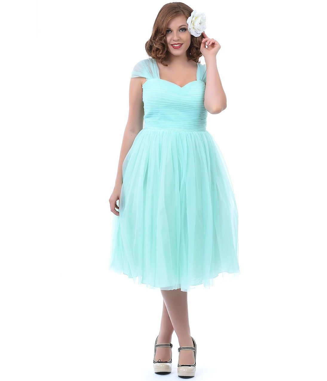 Its a beautiful color but its too bad they dont make it in a unique vintage plus size mint green garden state mesh cocktail dress ombrellifo Image collections