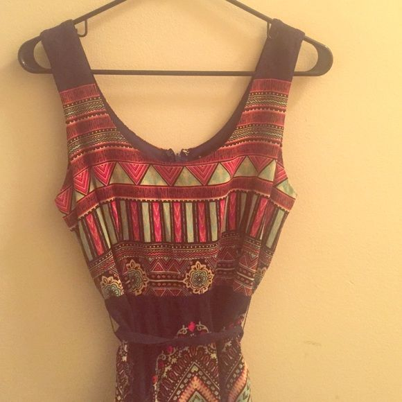 Tribal print dress Cotton tribal print dress with tie around waist and back zipper. Size small. Forever 21 Dresses Mini