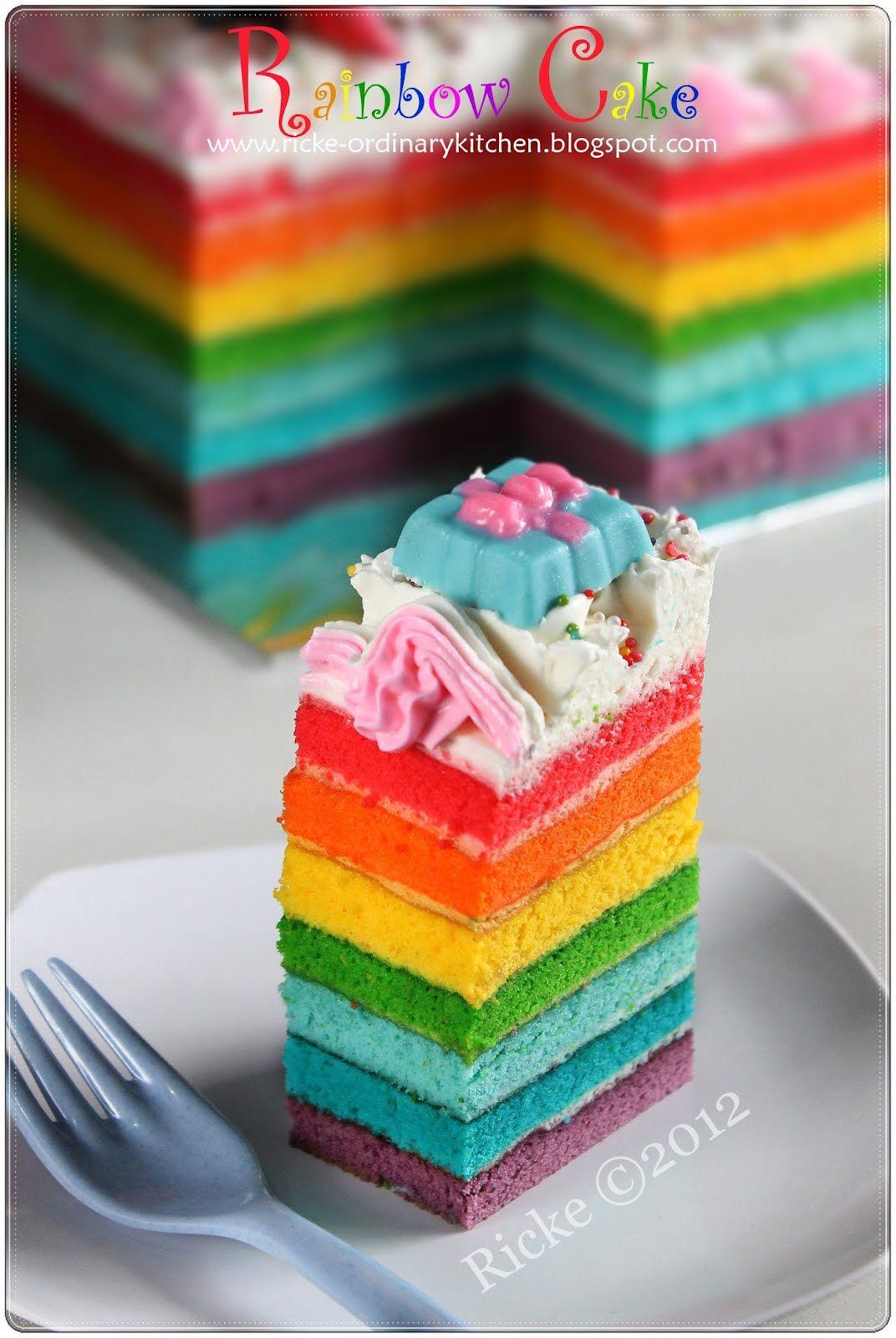 Yeap This Is The Happening Cake Nowaday Telat Banget Ya Baru Posting Rainbow Cake Sekarang Kemana Aja Bun Heheh Kue Pelangi Kue Lezat Makanan Ringan Manis