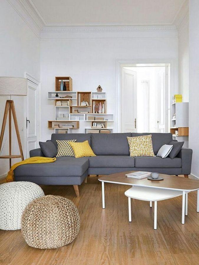 Salón con sofá en chaise longe en color gris Fichajes casita - wohnzimmer rot grau