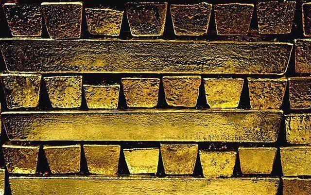 Goldbarren, die dem deutschen Staat gehören, liegen bei