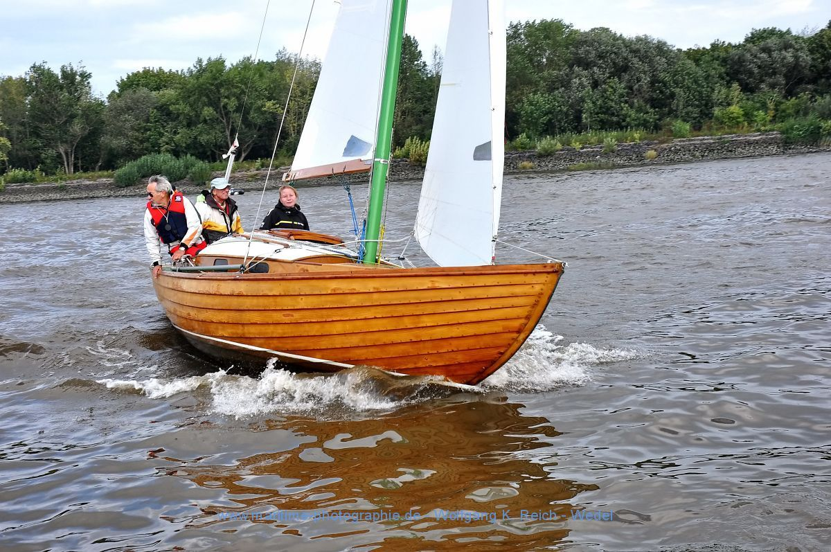 Folkeboot | sail | Boat, Classic wooden boats und Boat ...