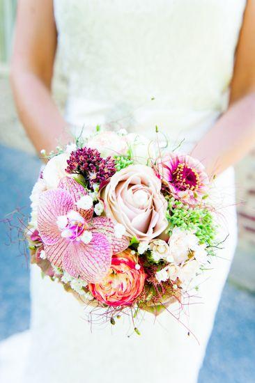 Brautstrauss mit Orchidee Lilie Rose