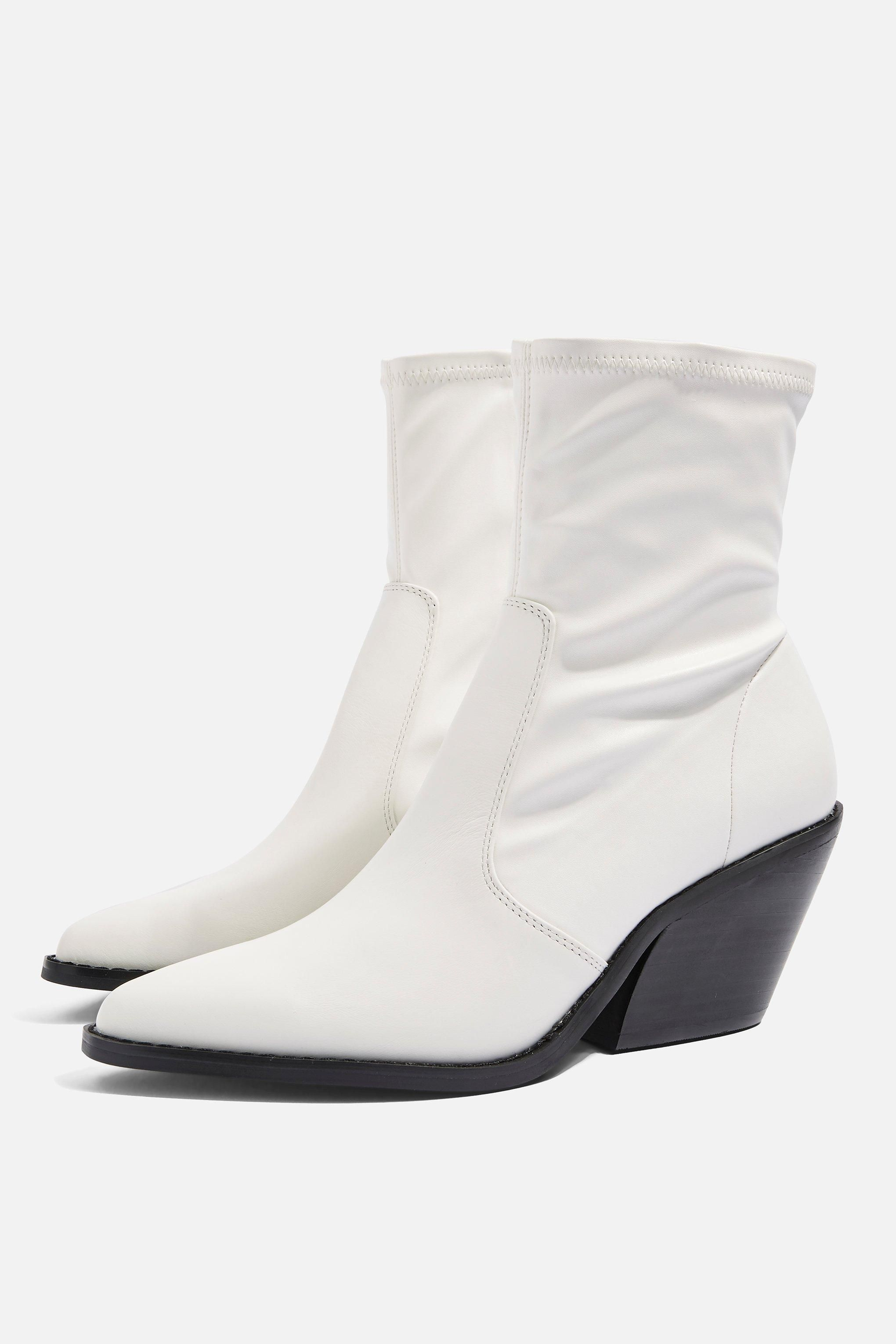 b54103dc9d3 Mission Ankle Boots | Everyday Style in 2019 | Western boots, Mid ...