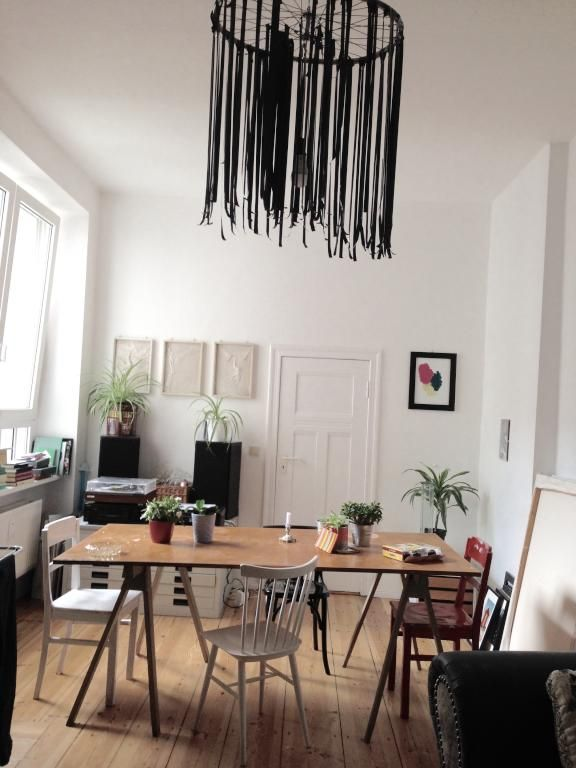 Dining area in flatshare kitchen.