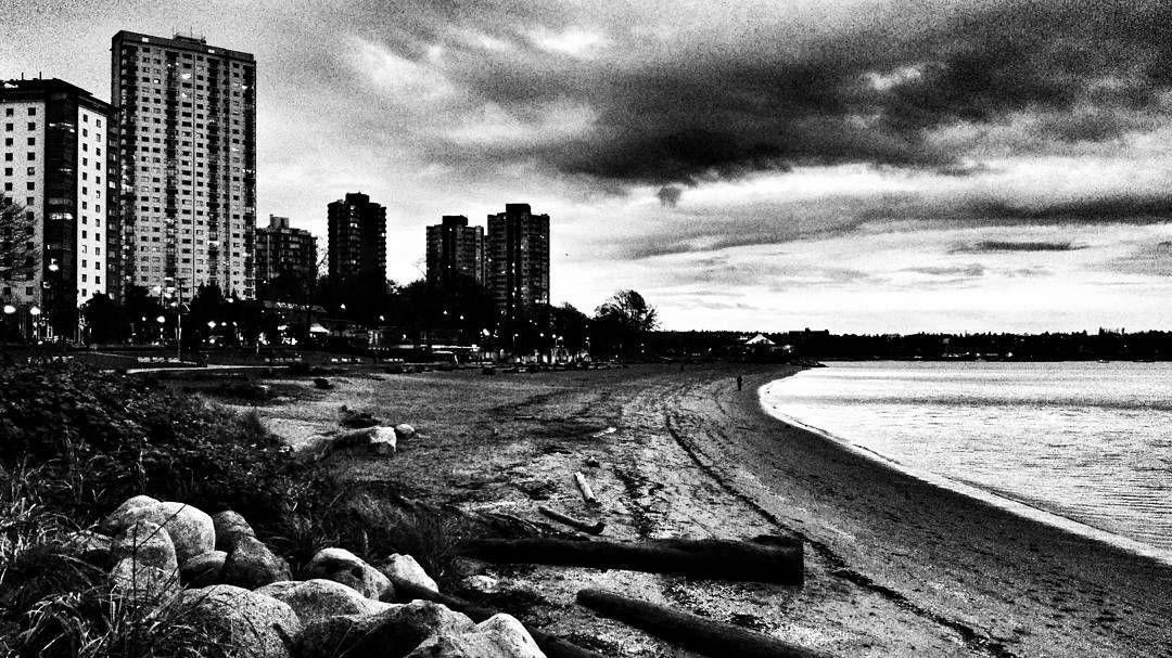 English Bay Beach at sunset in November.  #vancouver #vancityscape #bc_canada #blackwhitephotography #bnw #monochrome #hicontrast #bnw_planet #bnw_city #bnw_creatives #bnw_fanatics #bnw_addicted #bnw_captures #instablackandwhite #insta_bw  #noir_vision #simply_noir_blanc