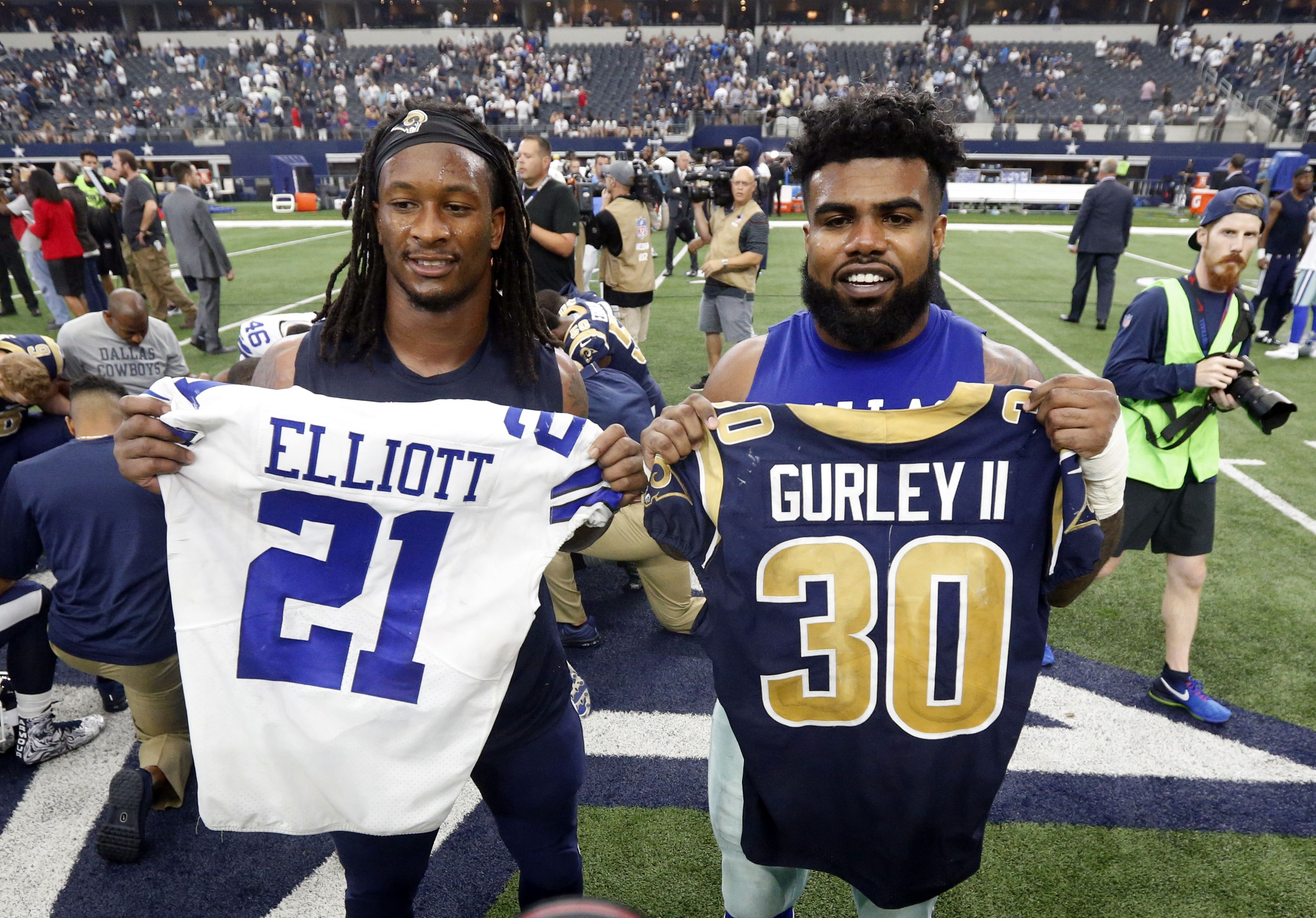 An Nfl Fantasy Duo Like None Other Todd Gurley Ii And Ezekiel Elliott Swapping Jerseys After The Game Ap Ainsworth Nfl News Nfl Nfl Players