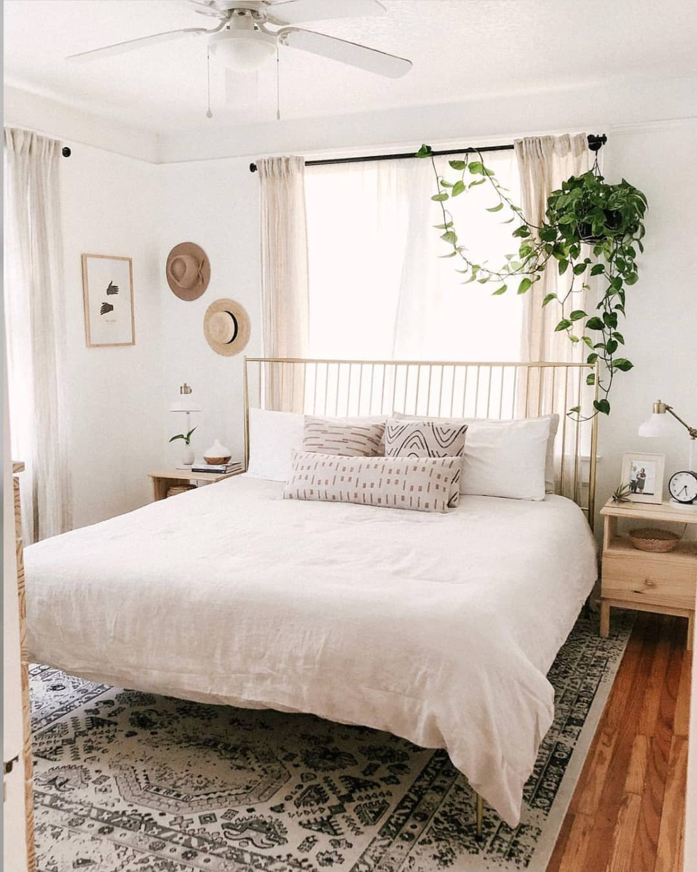 "Bohemian Inspirations on Instagram: ""🌿The serene room of Carla Natalia is simply heavenly 💖. Don't you think? 😉 📷@carlanatalia__ . . . . . #modernbohemian #lightandbright…"""