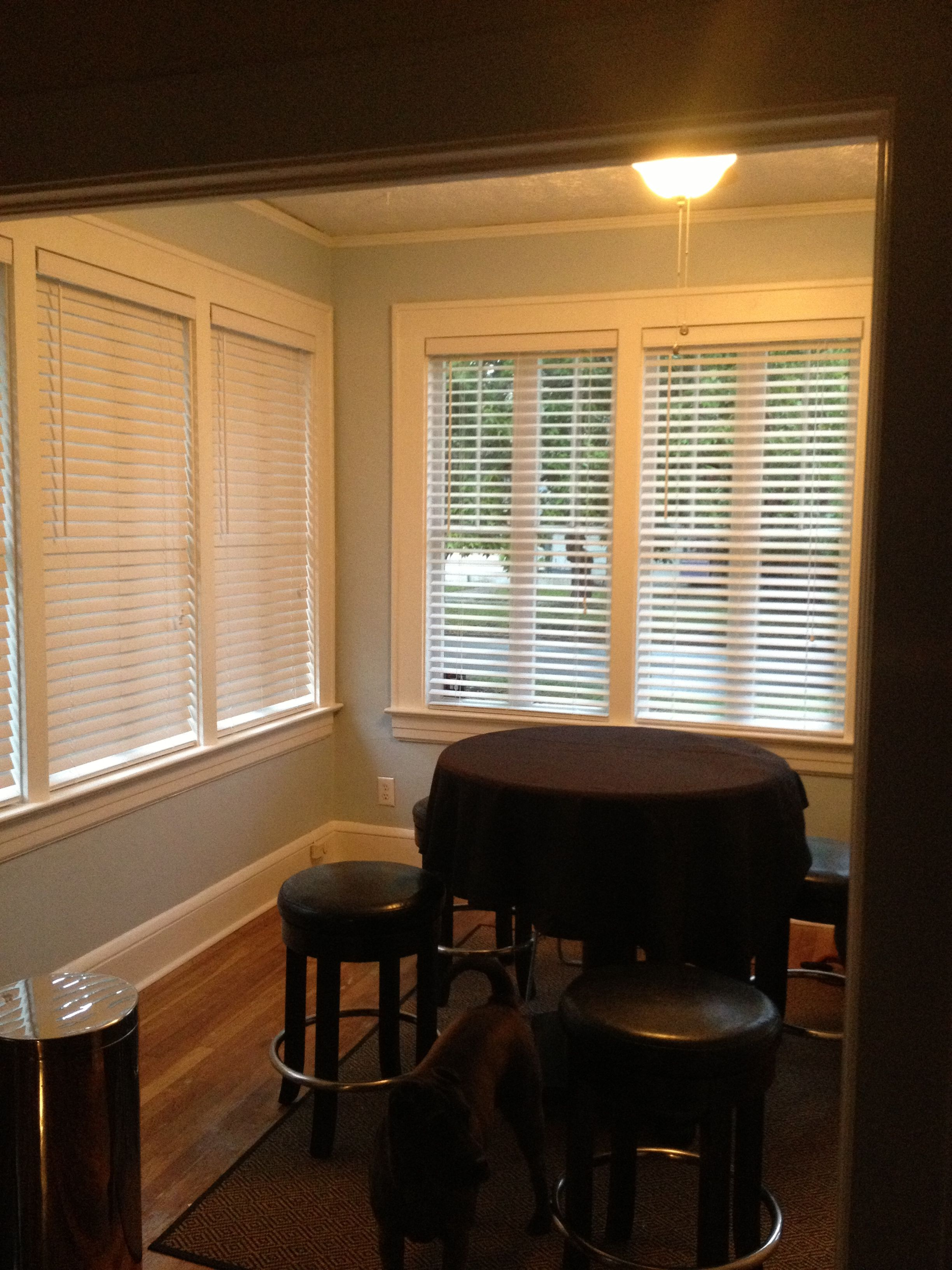 Sunroom Or Florida Room Color Sherwin William Hgtv Satin Color Balmy And White Trim Florida Room Room Colors House