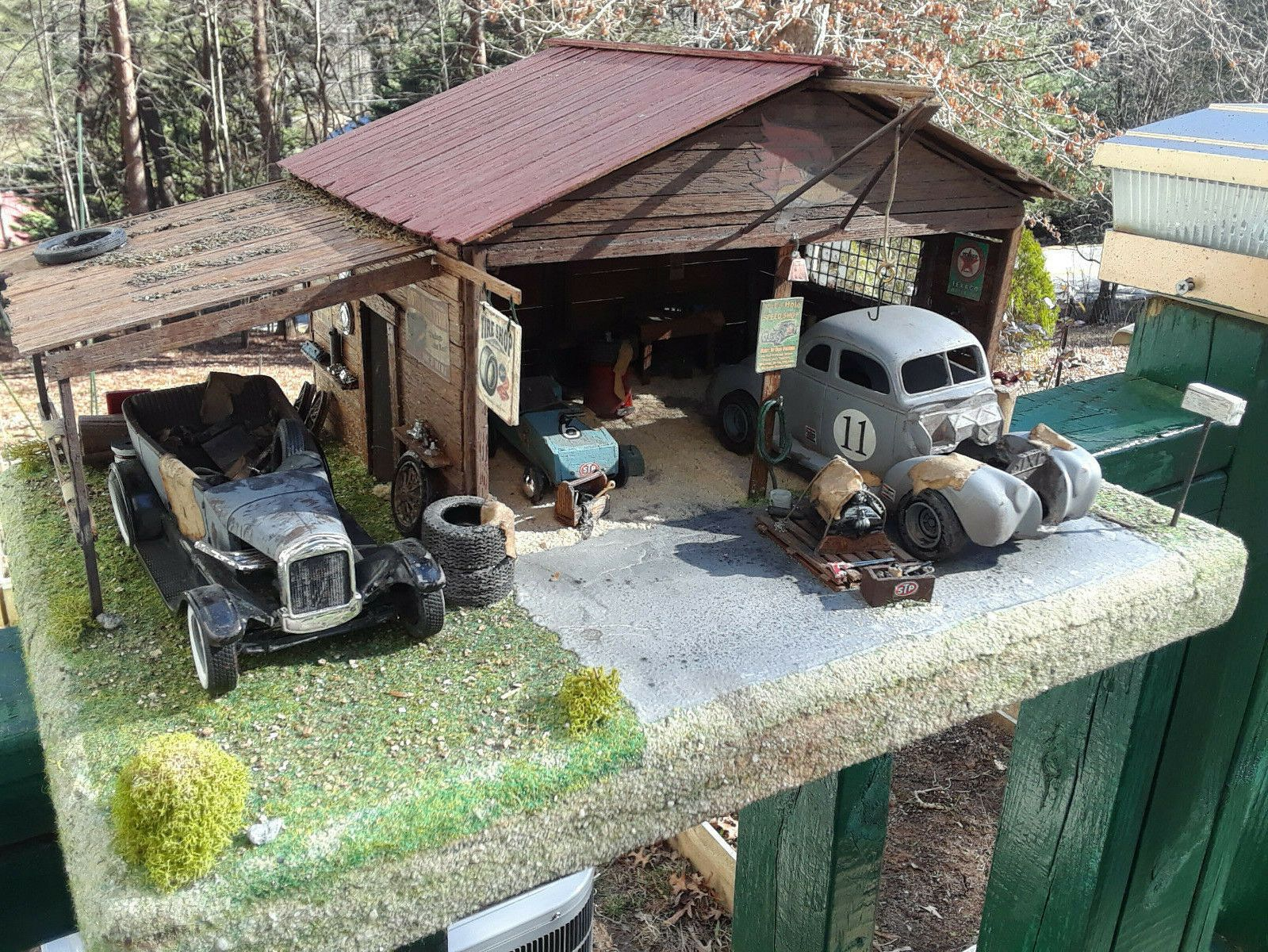 1 25 Model Car Diorama Junkyard Lot Parts Kits Ebay Car Model Model Cars Kits Plastic Model Cars