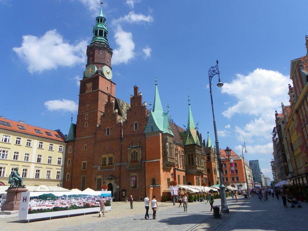 Im Sommer am Ring (Rynek) in Breslau (Wroclaw) an