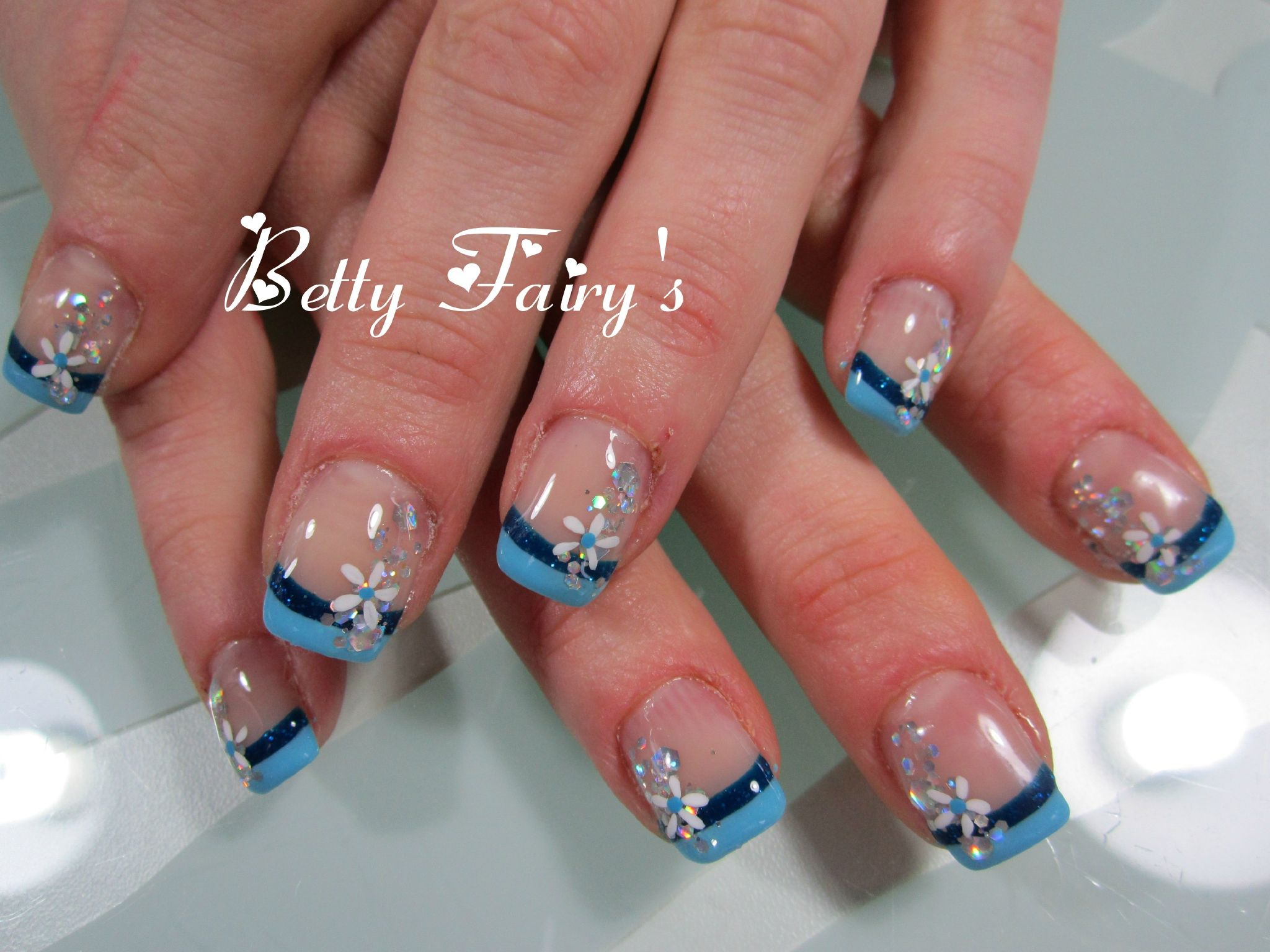 deco ongle bleu turquoise