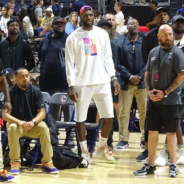 Nike Lebron 15 Air Yeezy 1 Kanye West Sneakernews Com Air Yeezy Yeezy Nike Lebron