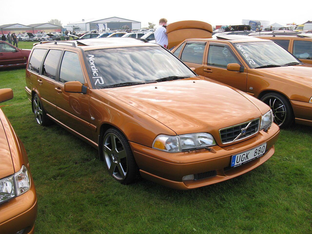 Volvo V70R AWD (6073666554) - Volvo V70 - Wikipedia, the