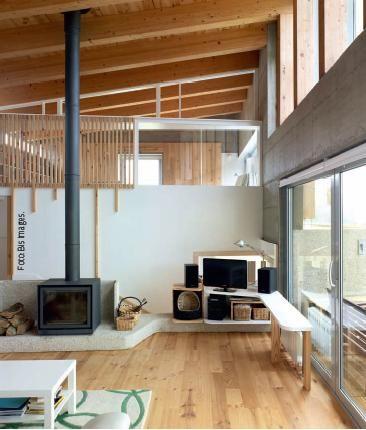 Dwelling in Santiago de Compostela. A Coruña, Spain.   Product: Tongue & groove pine flooring.  Application: Flooring.