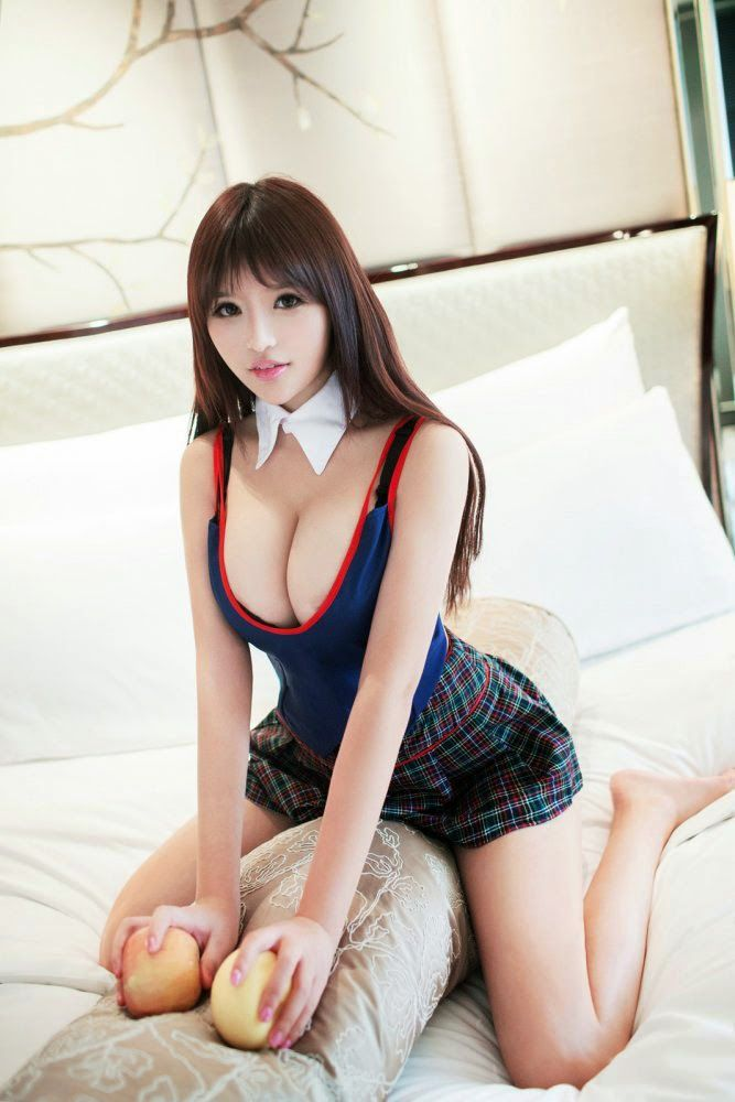 Video girl loses virginity