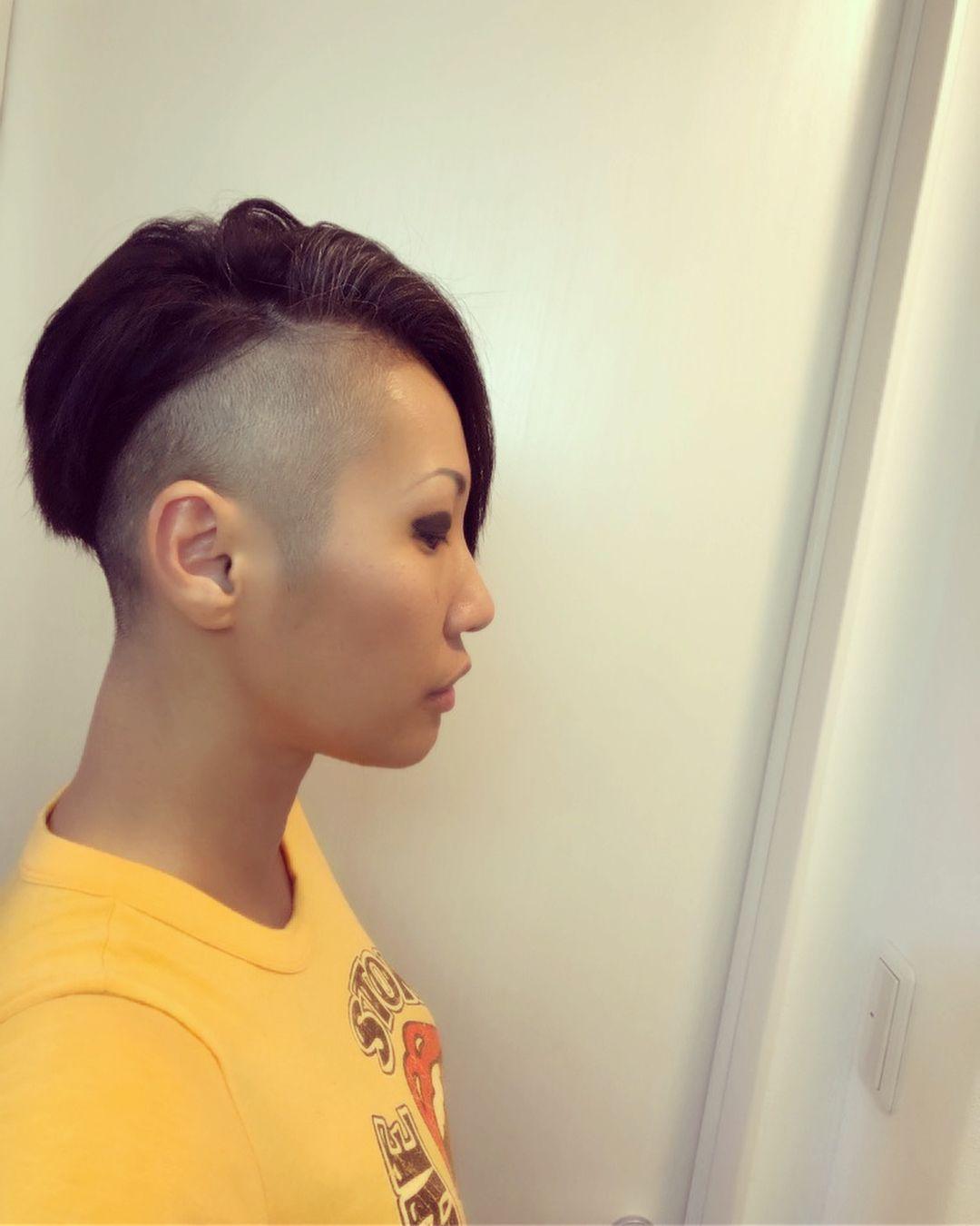 Masumi On Instagram この前の木曜日に髪切った 両サイドと後ろ刈り上げ 前から見たらわりとナチュラルショート ロングからのコレじゃなく 実は一回ボブ挟んでるけど やっぱりショートが好きかも Hair Styles Short Hair Styles Trendy Hairstyles