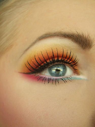 Eyes: Orange, Pink, Aqua - this is SO pretty! I'm going to try this!