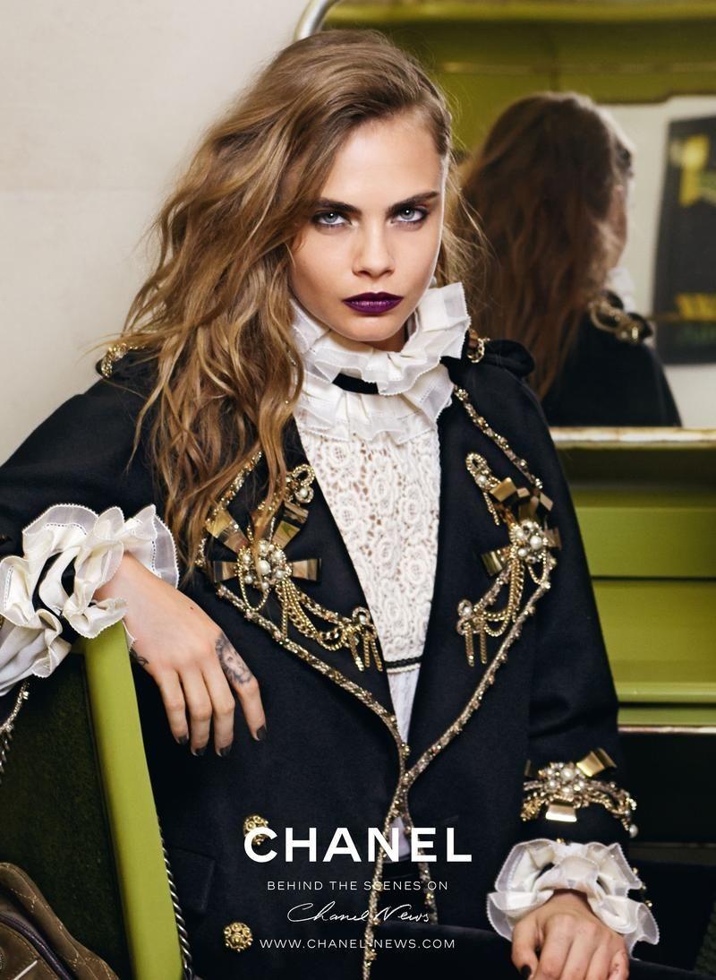 5837eaca6a4cc La nouvelle campagne Chanel avec Cara Delevingne et Pharrell Williams