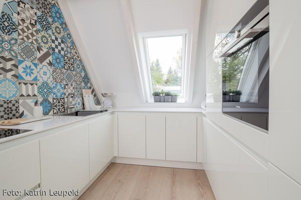 Hier macht Küchenarbeit Spaß! - küche in dachschräge