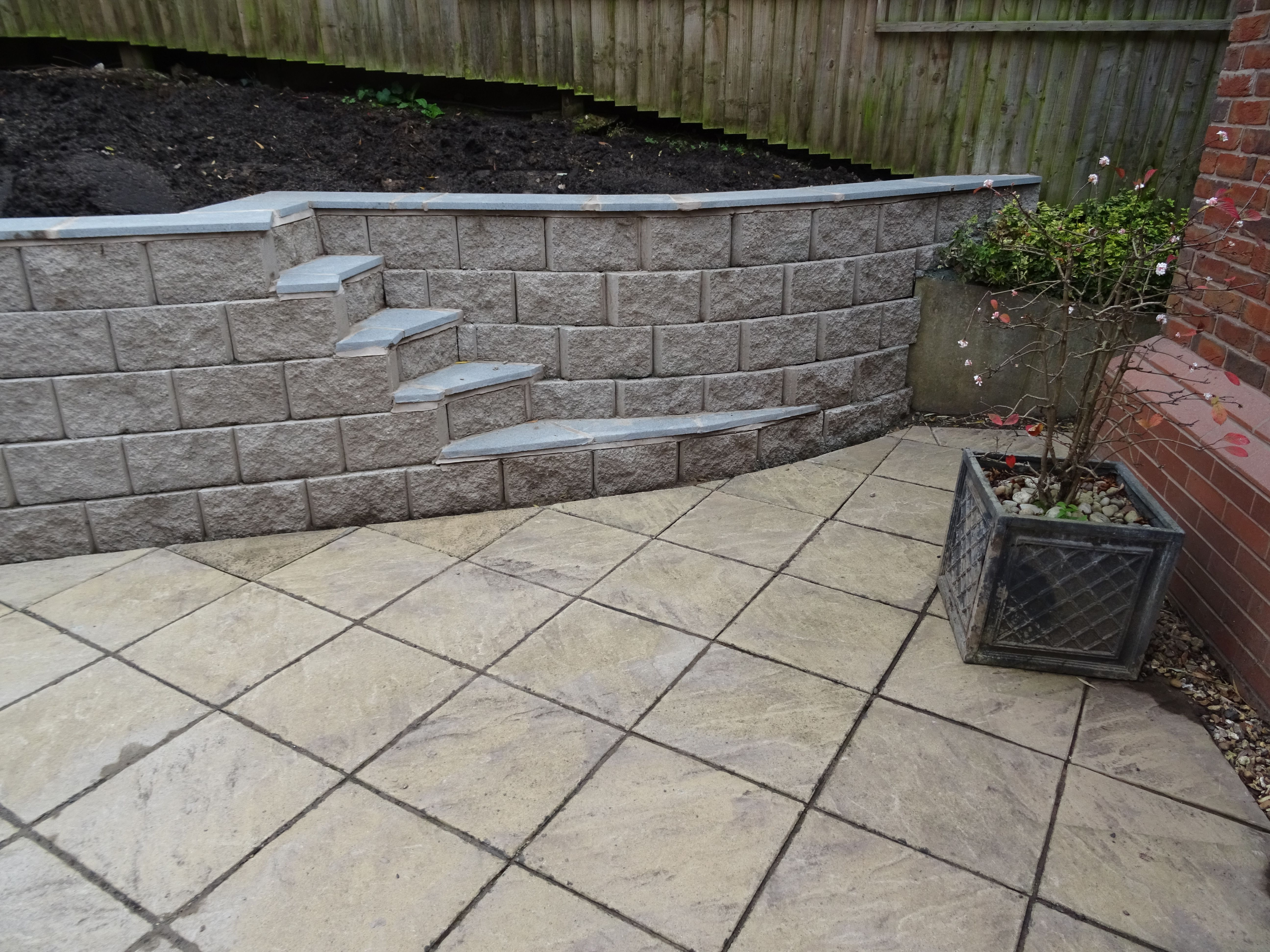 No Cement Jointing Required With The Terraforce Garden Wall Garden Wall Retaining Wall Design Bbq Area Garden