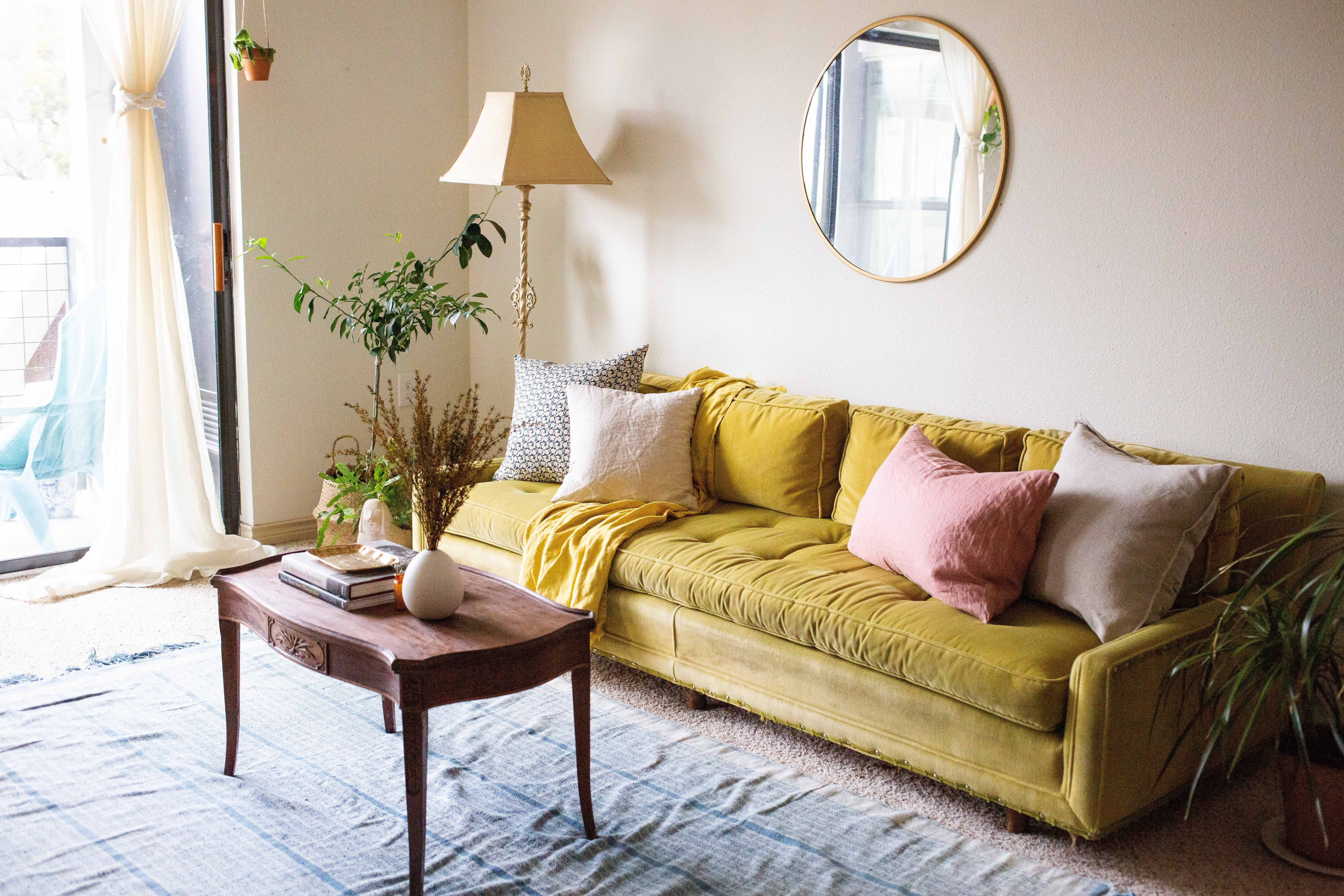 A Very Beige, Carpeted Rental Is Redeemed By Florals