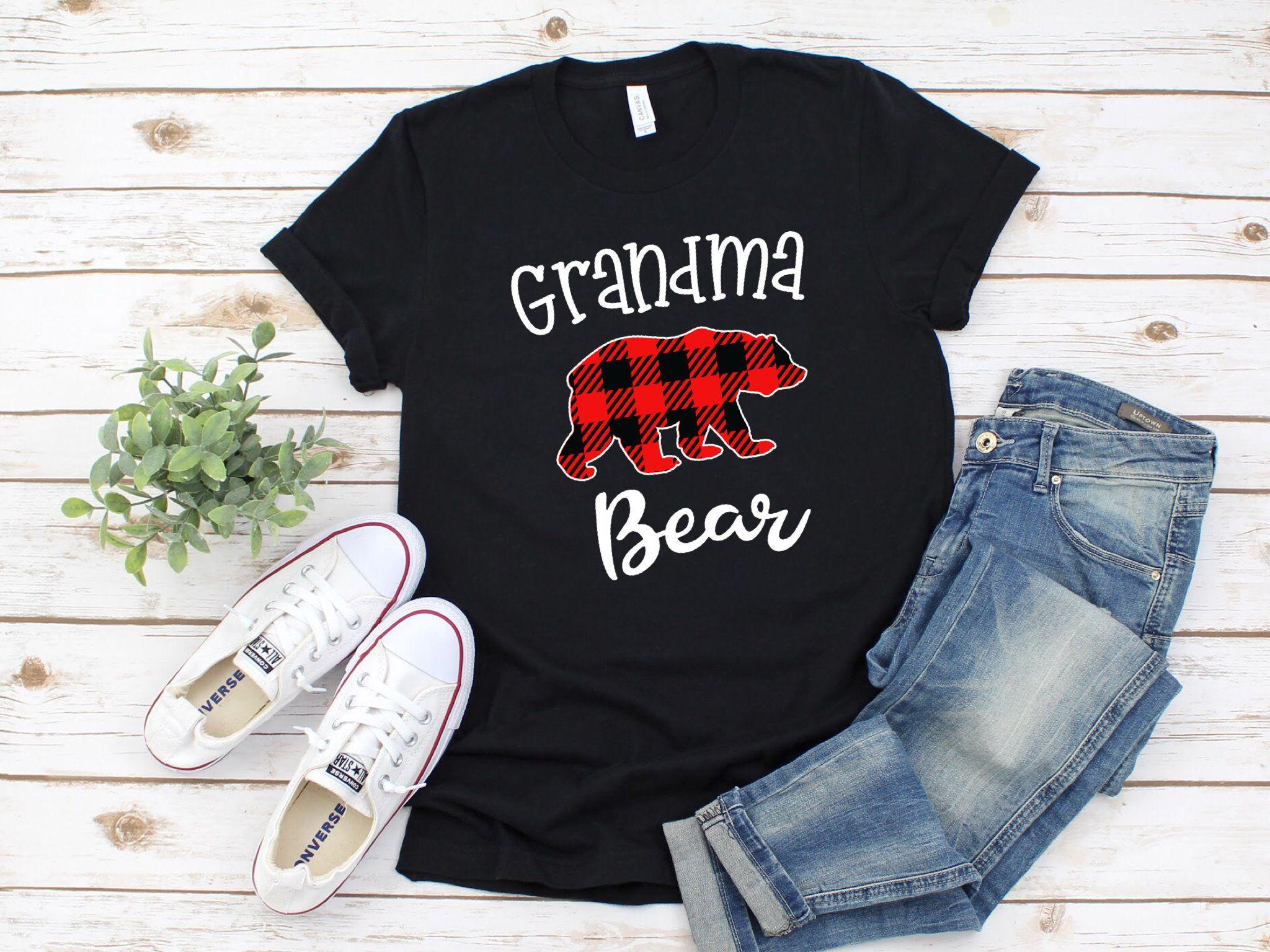 Cute Grandma Bear Holiday Shirt Cute Gift For A Proud Grandma