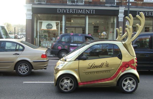 It Doesn T Take Much To Make A Smart Car Look Like Reindeer