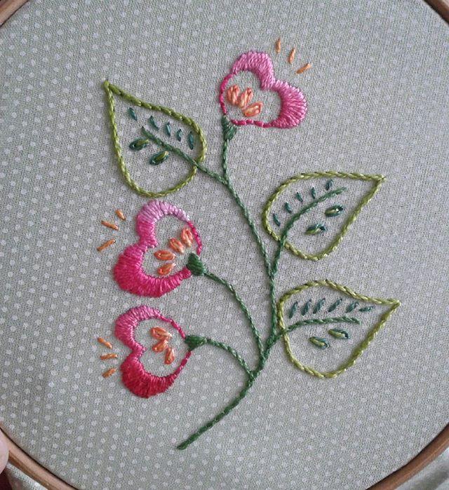 #bordados #handmade #bordadosmarinamendonça #poa #flores #feitoamao #embroidery #anchor #cores #artesanato #bordado #linhaseagulhas #arteterapia