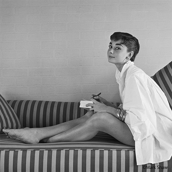 pin by dana hicky on people audrey hepburn audrey. Black Bedroom Furniture Sets. Home Design Ideas