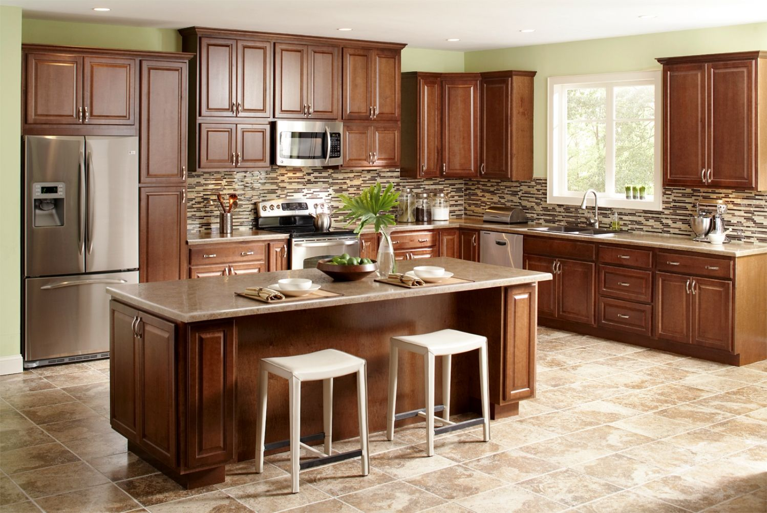 Traditional Classic Neutral Color Kitchen Design American Style With Stands Free Rectang Kitchen Cabinet Interior Traditional Kitchen Design Building A Kitchen