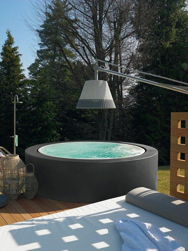 runder moderner Whirlpool Sauna Pinterest Runde, Gärten und - outdoor whirlpool garten spass bilder