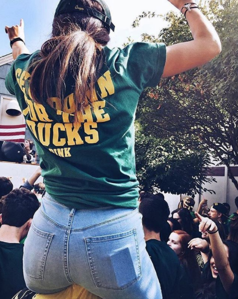 Pin By Maddy On Uo Gameday University Of Oregon Women Photo