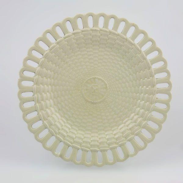 Basket Weaving Edging : Photo of wedgwood cream ware plate this