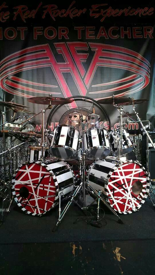Alex Van Halen At His Drum Kit In Red And White Action Van Halen Funny Piece Of Vh History Originally His Brother Eddie Alex Van Halen Van Halen Drum Music