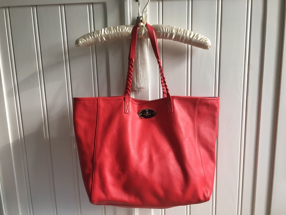 de7f9fc83d Very soft and beautiful leather red hit genuine Handbag from Mulberry.  Contains a little pouch
