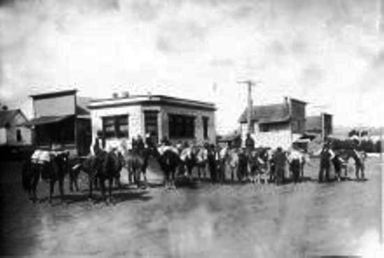 Main Street In Front Of The Bank In Latah Wa Home
