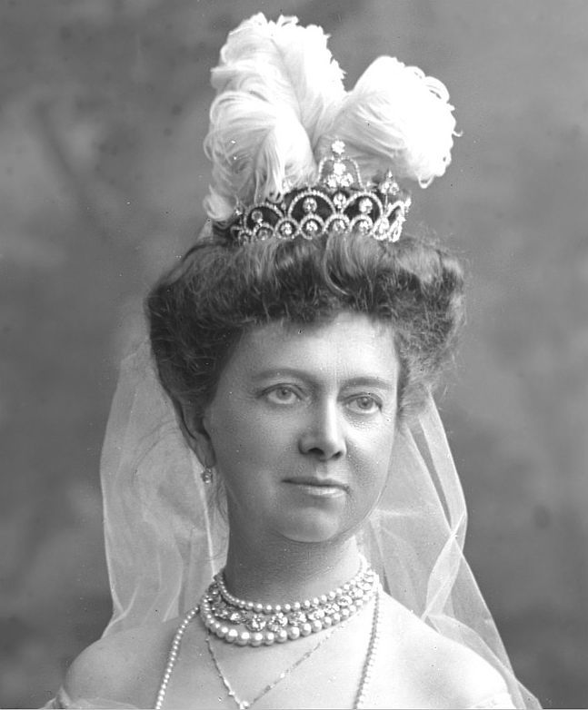 A close up of Lady Elizabeth Smiley, and her lovely tiara, designed as a series of arches, with circular diamonds