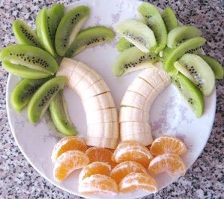 fruit arranged as palm trees; this site has lots of fun sea and mermaid-related food themes (http://completely-coastal.com)