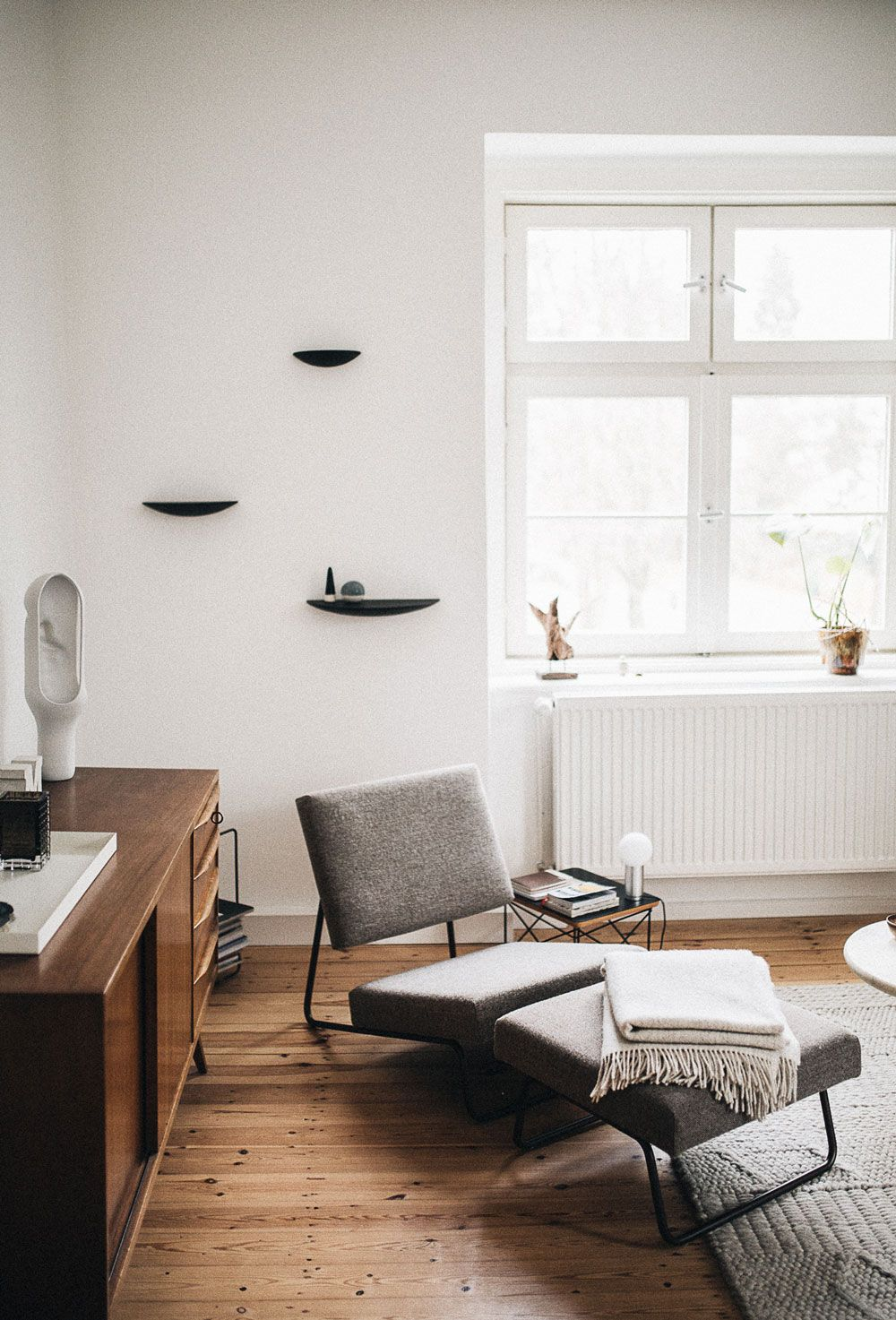lounge worthy Pinterest Modern chaise lounge
